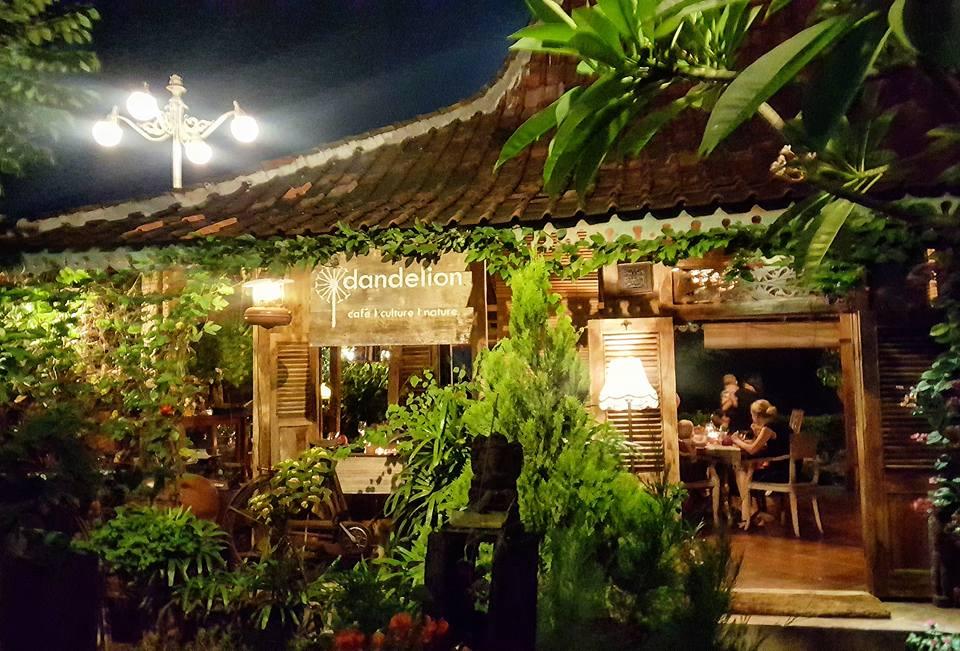 Warung Dandelion Canggu, Rumah Makan Tradisional dengan Nuansa yang Nyaman dan Menenangkan