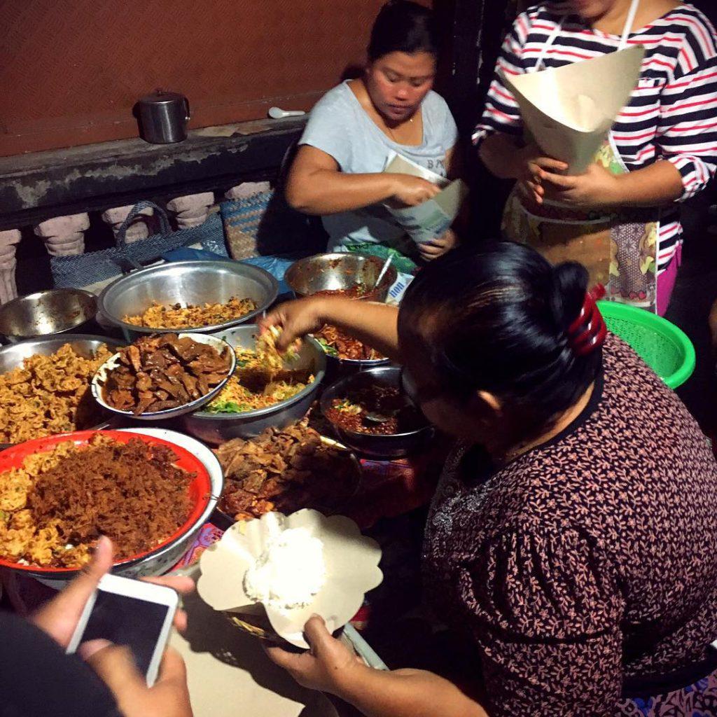 Warung Nasi Men Lotri Denpasar 2 1024x1024 » Warung Nasi Men Lotri Denpasar, Kuliner Malam Hari yang Selalu Ramai di Bali