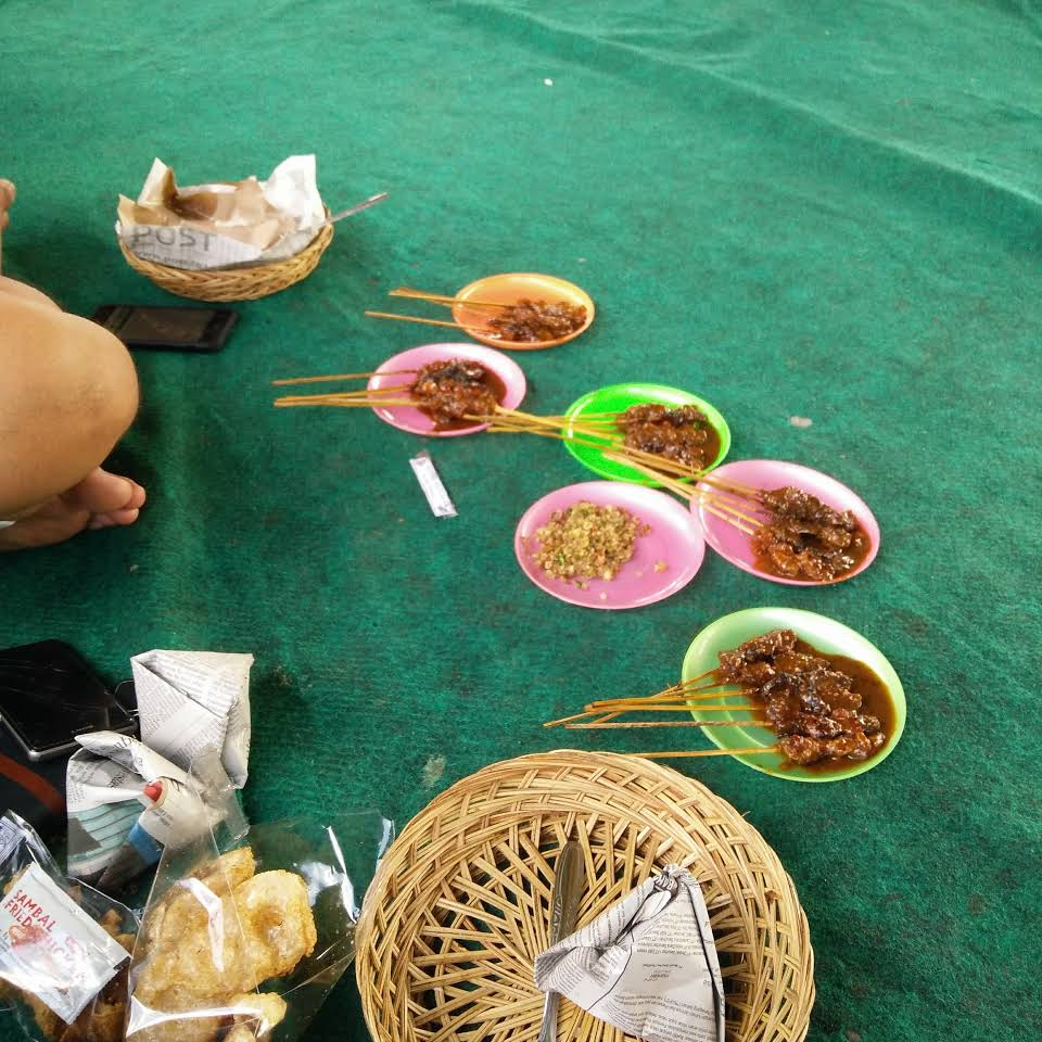 Warung Sate Babi Nyoman Bledor 4 » Warung Sate Babi Nyoman Bledor, Pilihan Kuliner Khas Sangeh yang Murah dan Enak