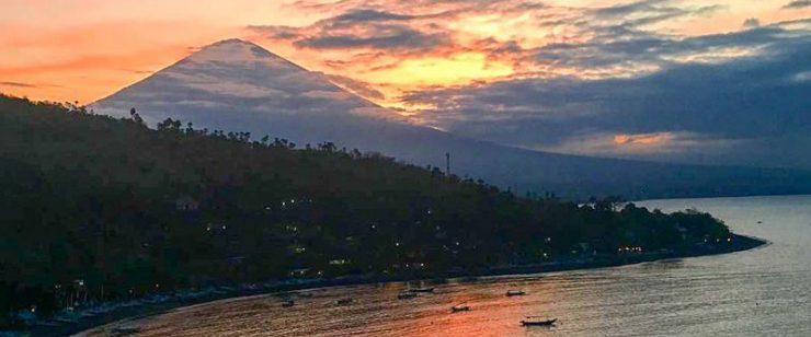 Warung Sunset Coin Amed