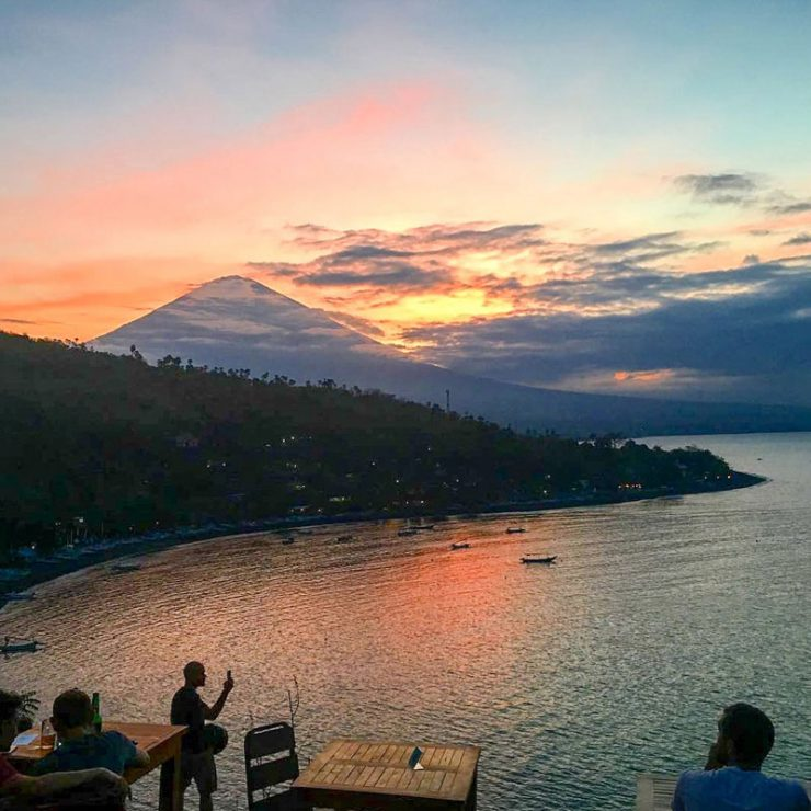 Warung Sunset Coin Amed