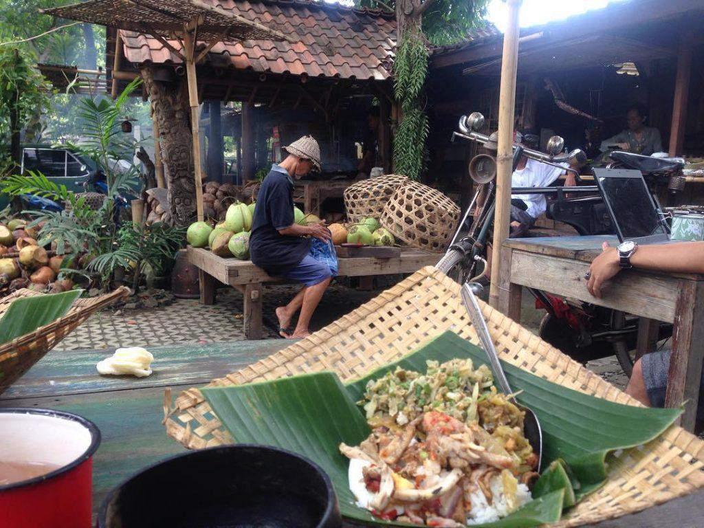 Warung Tekor Denpasar 2 1024x768 » Warung Tekor Denpasar, Sajikan Kuliner Legendaris Khas Bali Nasi Tekor