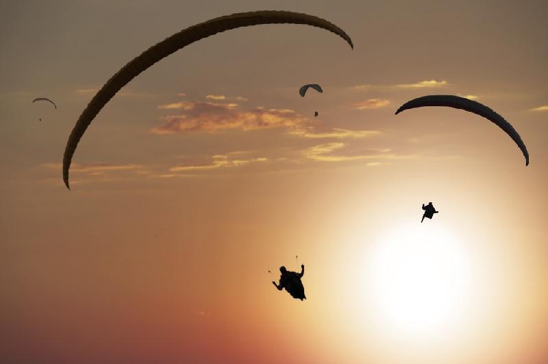 Wisata Paragliding Bukit Riug 3 » Wisata Paragliding Bukit Riug, Aktivitas Menantang Menikmati Keindahan Pantai   Pandawa dari Ketinggian