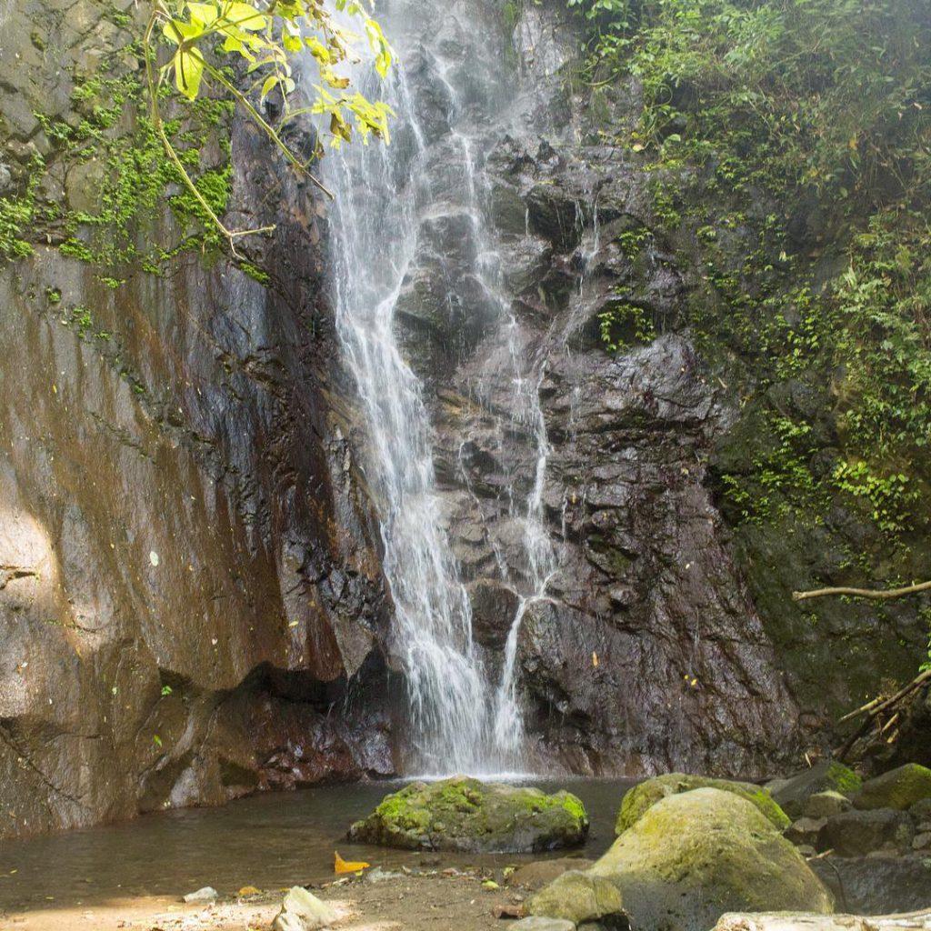 air terjun jagasatru karangasem 2 1024x1024 » Air Terjun Jagasatru Karangasem, Wisata Air Terjun Memukau di Bali
