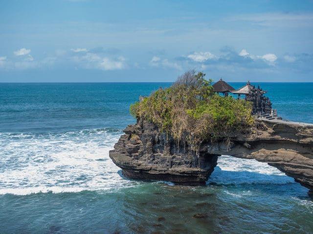 aktivitas di tanah lot Bali