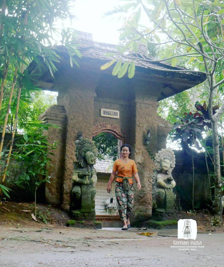 angkul angkul gerbang tradisional khas Bali 3 860x1024 » Mengenal Apa Itu Angkul-Angkul, Bangunan Tradisional Khas Bali yang Kaya Makna
