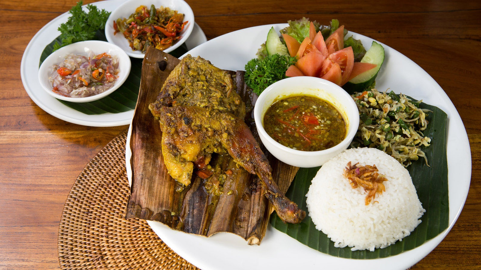 Bebek Betutu Khas Gianyar, Kuliner Bali Istimewa yang Butuh Waktu Masak 12 Jam