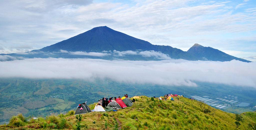 bukit pergasingan lombok 2 1024x520 » Bukit Pergasingan Lombok, Wisata Alam dengan Pemandangan Memukau untuk Pendaki Pemula