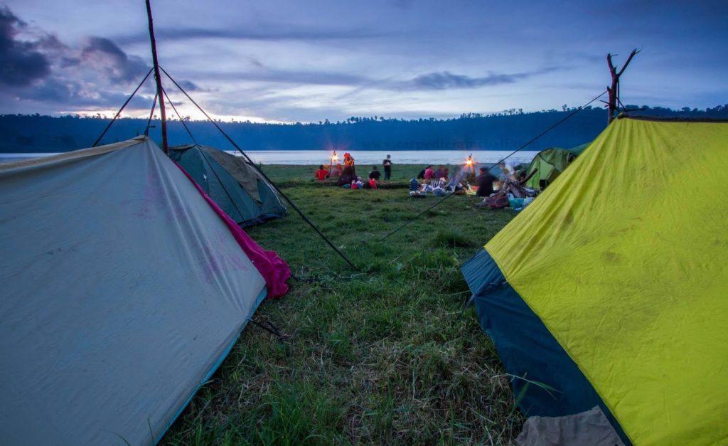 danau kembar buleleng 1 1024x627 » Danau Kembar Buleleng, Dua Danau dengan Pemandangan Eksotis yang Menyegarkan Mata