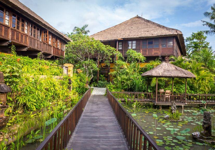 Hotel Tugu Bali, Nuansa Tradisional Khas Jawa di Tengah Keindahan Pulau Dewata