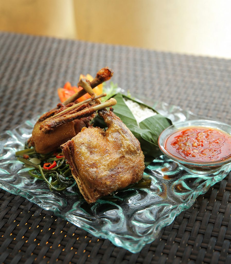 jendela bali panoramic restaurant 2 898x1024 » Jendela Bali Panoramic Restaurant - Kuliner dengan Suguhan Pemandangan Sunset GWK yang Memesona