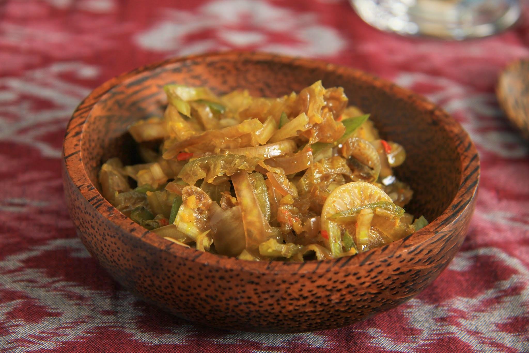 Jukut Ares Bali, Kuliner Tradisional dengan Bahan Utama Batang Pohon Pisang