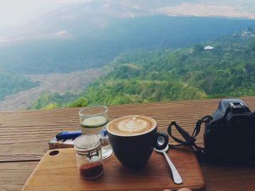 kafe kopi hits di kintamani