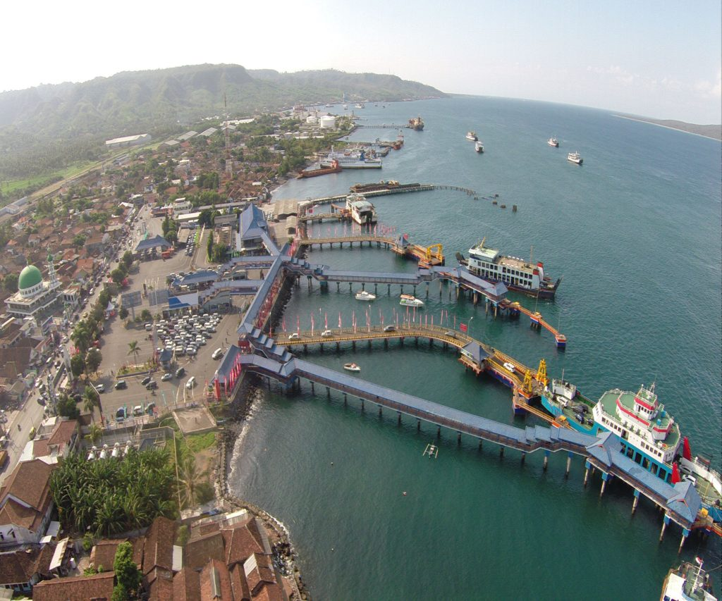 kapal penyeberangan ke Bali