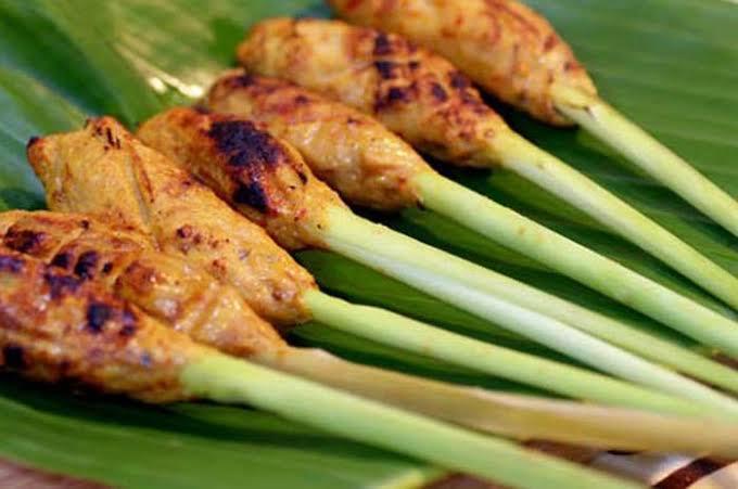 kuliner sate di Bali 2 » Kuliner Sate di Bali, Makanan Favorit Wisatawan sekaligus Senjata Para Dewa