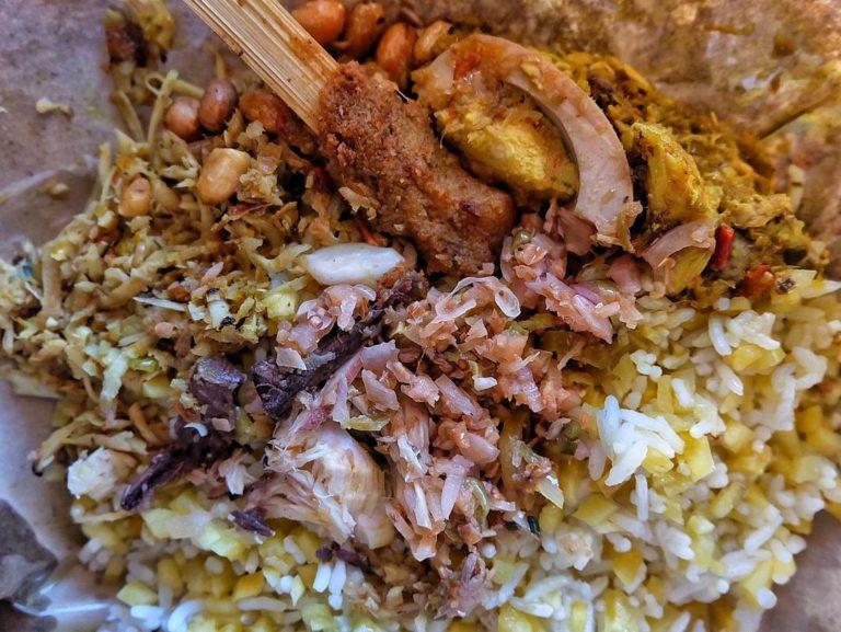 lawar kuwir pan sinar 1 » Lawar Kuwir Pan Sinar, Pilihan Lawar Khas Bali Halal yang Legendaris