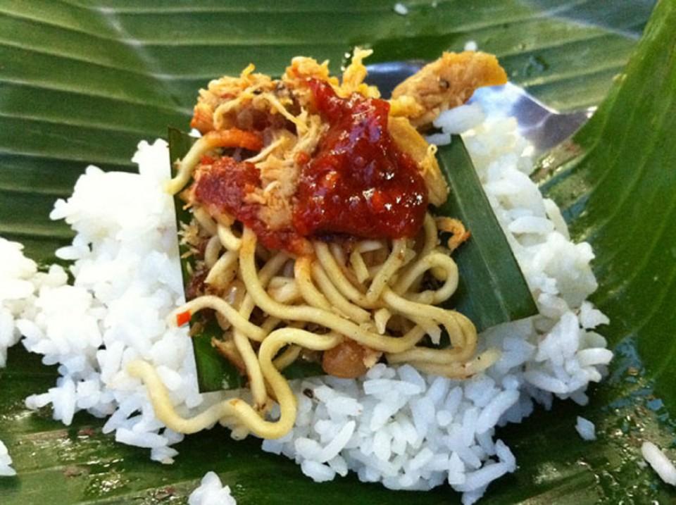 nasi jinggo bali 1 » Nasi Jinggo Bali, Kuliner Murah Meriah ala Nasi Kucing dari Pulau Dewata
