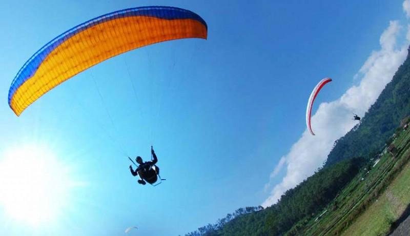 paralayang di bukit timbis 3 » Paralayang di Bukit Timbis, Wisata Seru dan Menantang di Bali