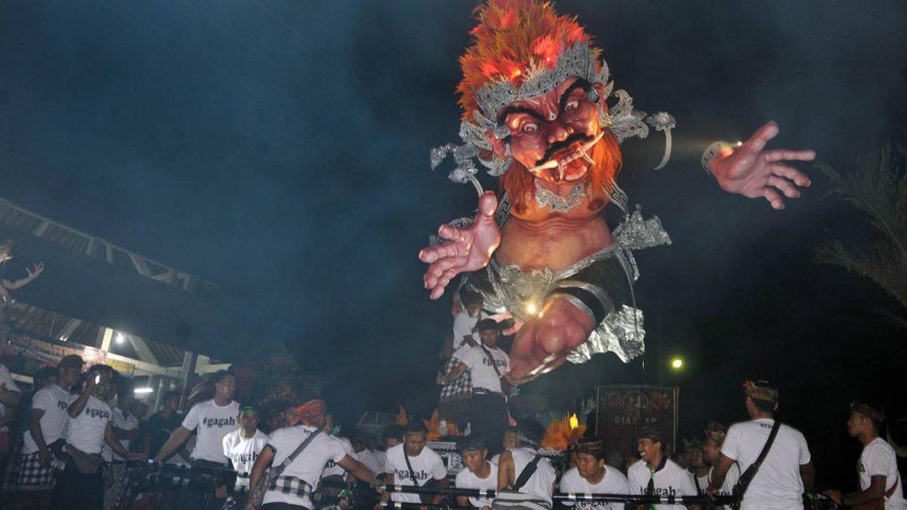 pawai ogoh ogoh saat perayaan Nyepi 2 1024x576 » Fakta Unik dan Menarik Pawai Ogoh-Ogoh Saat Perayaan Nyepi di Bali