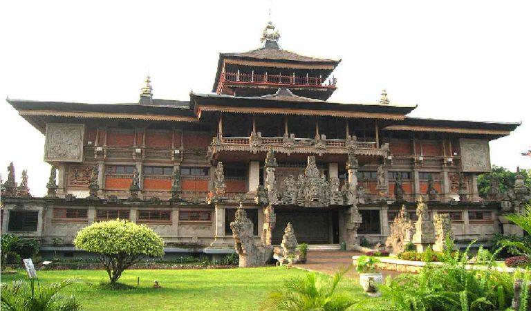 Keunikan Rumah Adat Bali yang Memiliki Nilai Filosofi Tersendiri