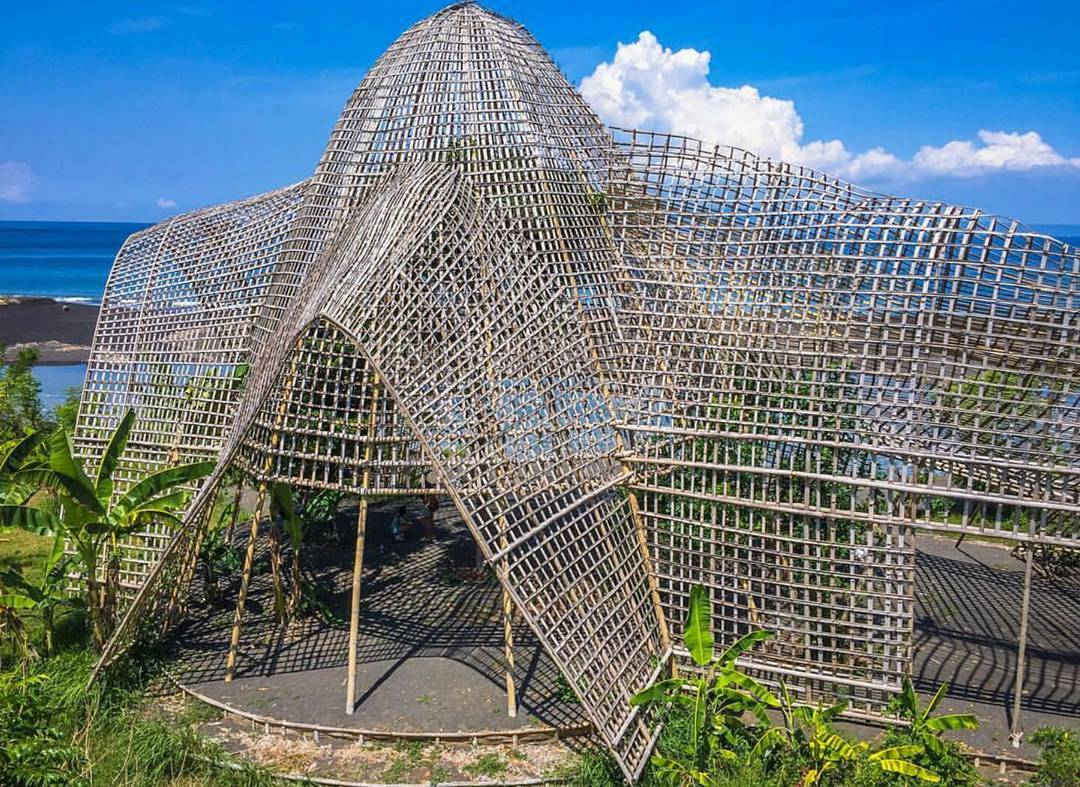 Rumah Bambu Pengalon, Tempat Foto Instagramable Abis di Karangasem