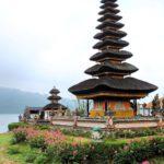tips liburan ke pura di Bali