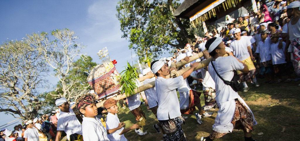 tradisi perang jempana 2 1024x482 » Tradisi Perang Jempana, Cara Masyarakat Bali Mengekspresikan Kebahagiaan