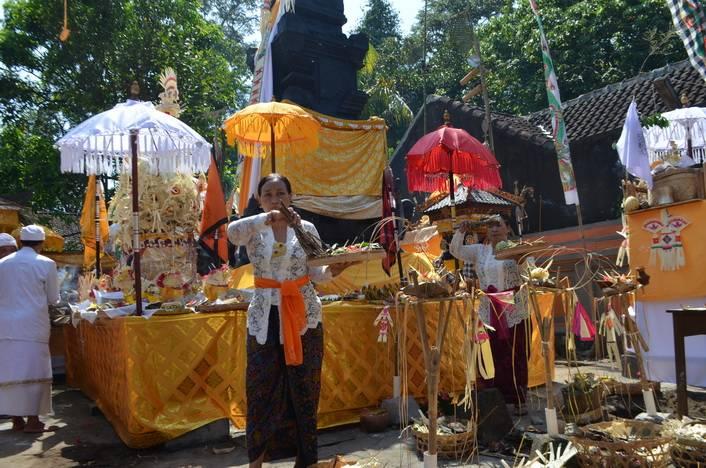 upacara ngenteg linggih 1 » Upacara Ngenteg Linggih: Upacara Adat Umat Hindu di Bali