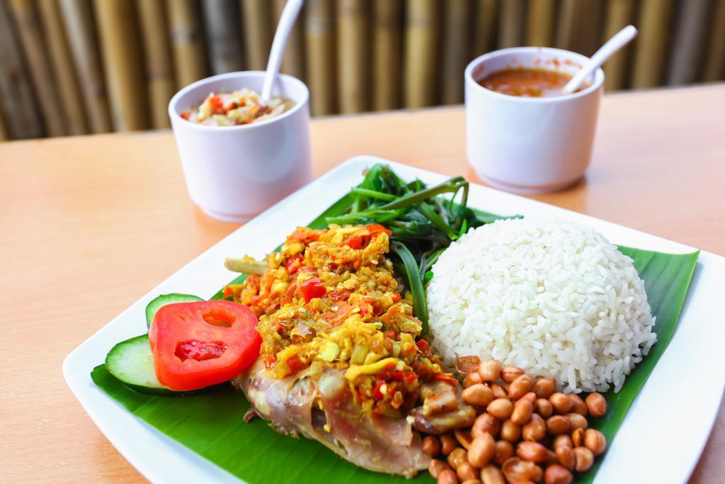 wisata kuliner ayam betutu » Wajib Coba! Rekomendasi Tempat Wisata Kuliner Ayam Betutu Halal di Bali